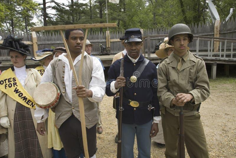 Στρατιώτες αφροαμερικάνων παρελθόντος και παρόντος στοκ φωτογραφίες