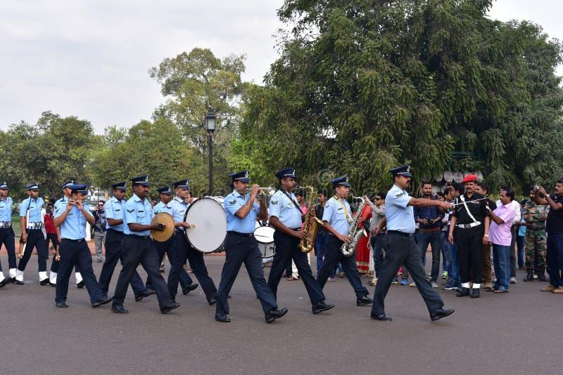 Στρατιώτες Πολεμικής Αεροπορίας που κάνουν την παρέλαση στην πύλη της Ινδίας, Νέο Δελχί, Ινδία στοκ φωτογραφία με δικαίωμα ελεύθερης χρήσης