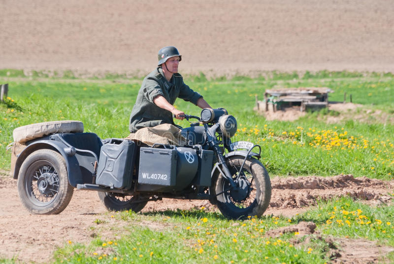 στρατιώτης γύρων της Bmw ποδηλάτων r12 στοκ εικόνες