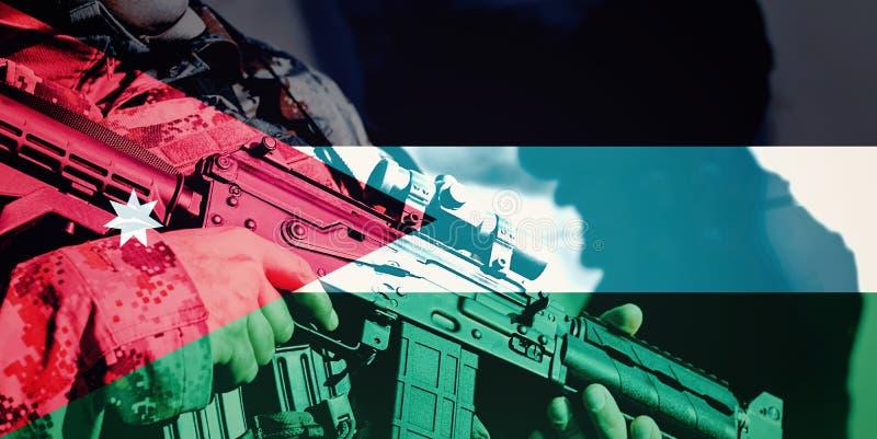 Στρατιώτης με το πολυβόλο με τη εθνική σημαία της Ιορδανίας στοκ εικόνα με δικαίωμα ελεύθερης χρήσης