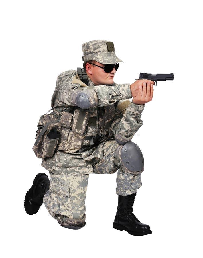 Στρατιώτης με το πυροβόλο όπλο στοκ φωτογραφίες