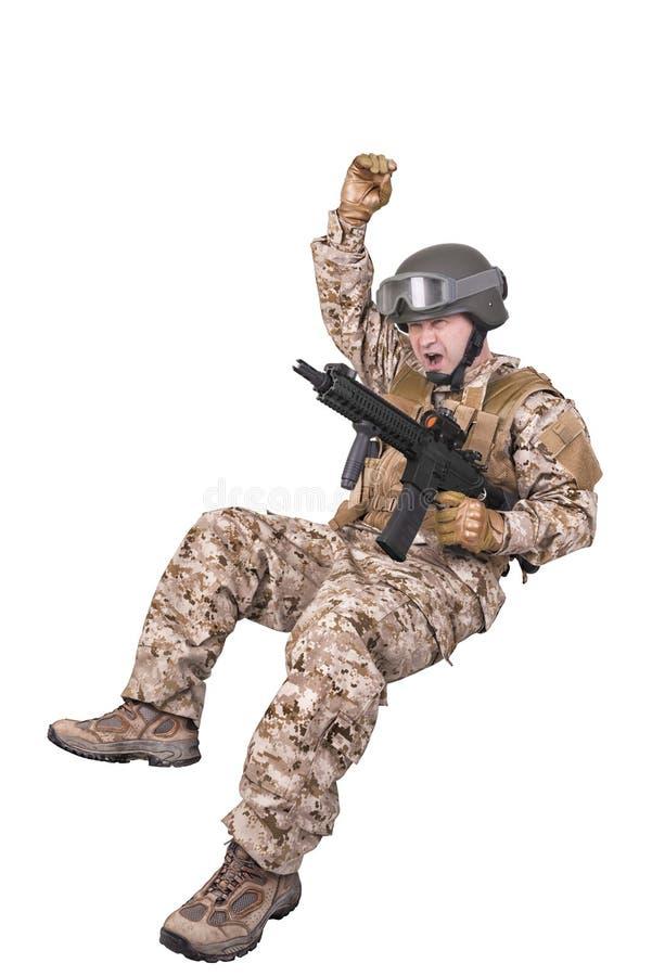 Στρατιώτης στρατού στη δράση στοκ φωτογραφία με δικαίωμα ελεύθερης χρήσης