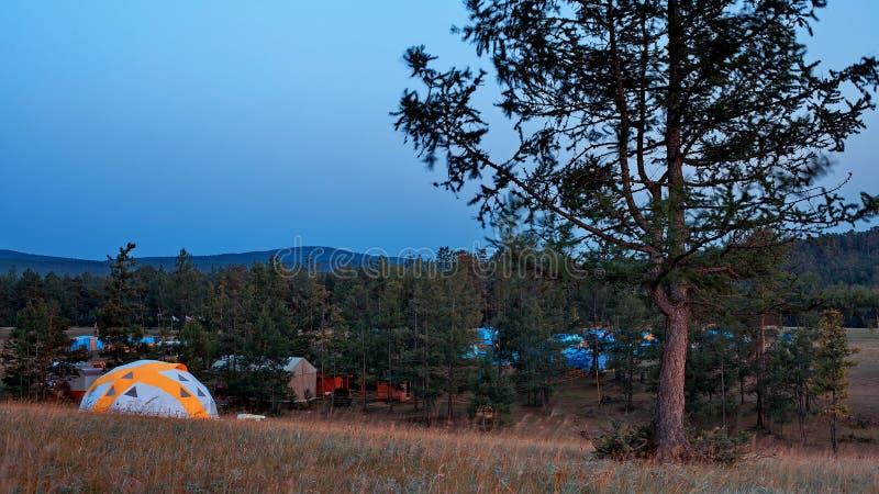 Στρατόπεδο στο νησί Olkhon στοκ εικόνα
