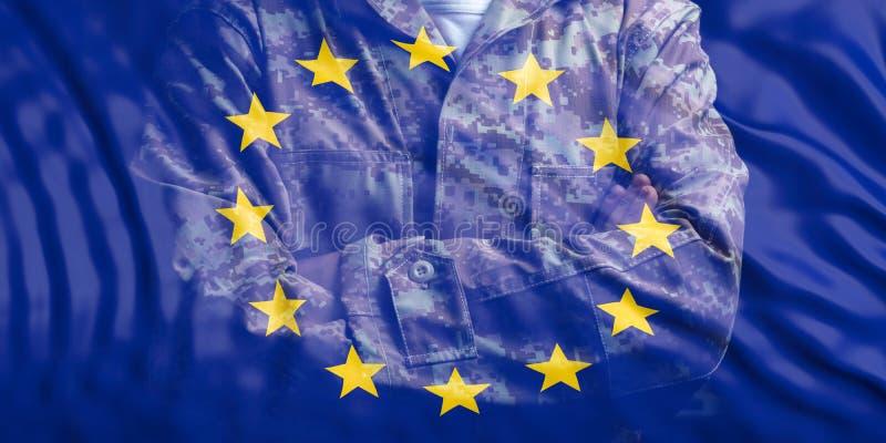 Στρατός της ΕΕ Σημαία της Ευρωπαϊκής Ένωσης και εξασθενισμένος στρατιώτης με τα διασχισμένα όπλα τρισδιάστατη απεικόνιση απεικόνιση αποθεμάτων