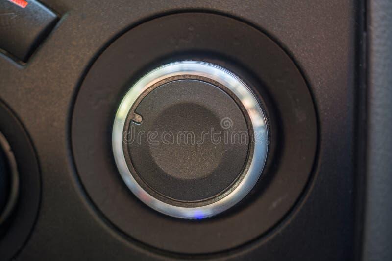 Στρογγυλευμένη μετάβαση επιλογέων στο αυτοκίνητο στοκ εικόνες