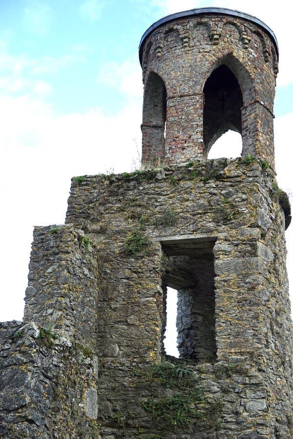 Στρογγυλός πύργος για να ερευνήσει την περιοχή στοκ εικόνα