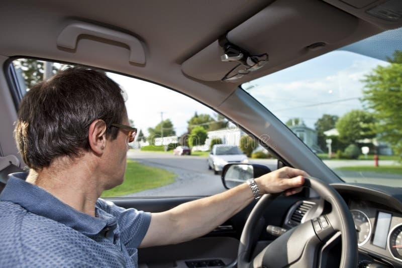 στροφή οδών οδηγών γωνιών στοκ φωτογραφία με δικαίωμα ελεύθερης χρήσης