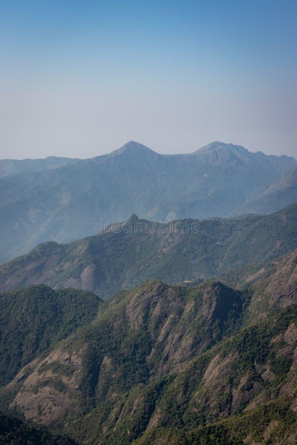 Στρώματα σειράς βουνών στοκ φωτογραφία