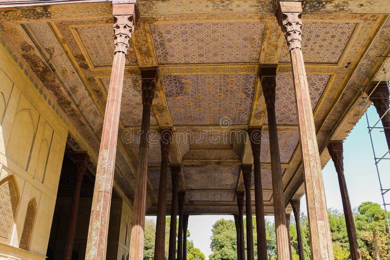 Στυλοβάτες παλατιών Sotun Chehel και στέγες, Ισφαχάν, Ιράν στοκ εικόνες με δικαίωμα ελεύθερης χρήσης