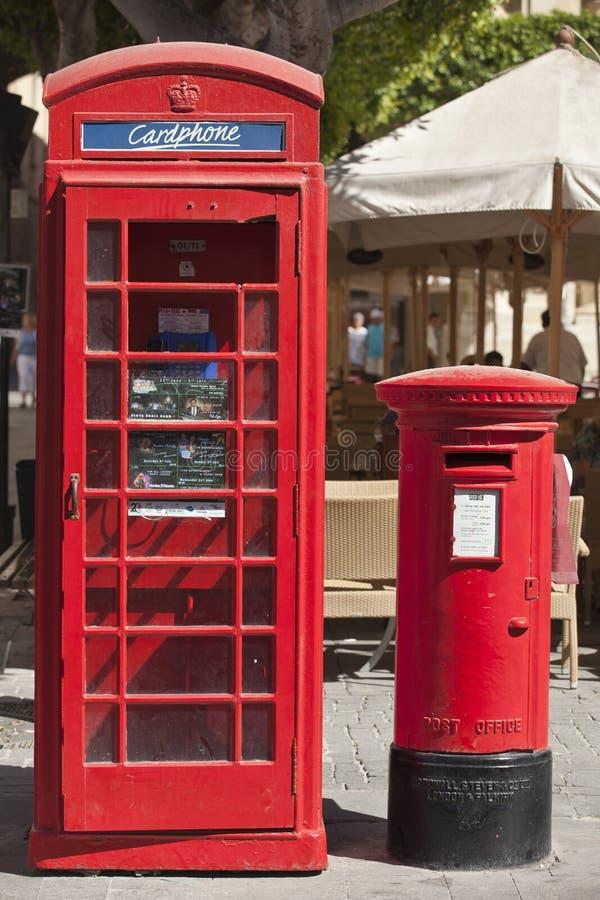 Στυλοβάτης Phonebox και επιστολών στοκ εικόνα με δικαίωμα ελεύθερης χρήσης