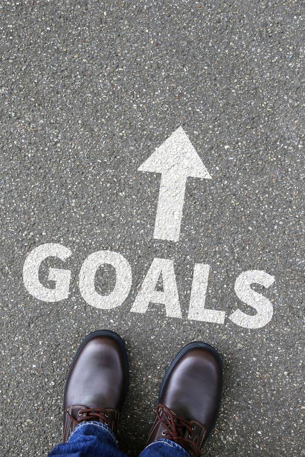 Στόχοι στόχου στις φιλοδοξίες επιτυχίας και την επιχειρησιακή έννοια αύξησης στοκ εικόνα