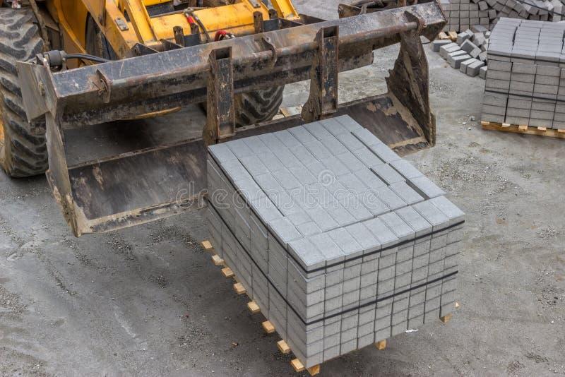 Συγκεκριμένες πέτρες για το πεζοδρόμιο πεζοδρομίων στοκ εικόνες με δικαίωμα ελεύθερης χρήσης