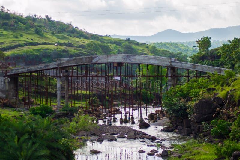 Συγκεκριμένη κατασκευή γεφυρών στοκ εικόνα με δικαίωμα ελεύθερης χρήσης