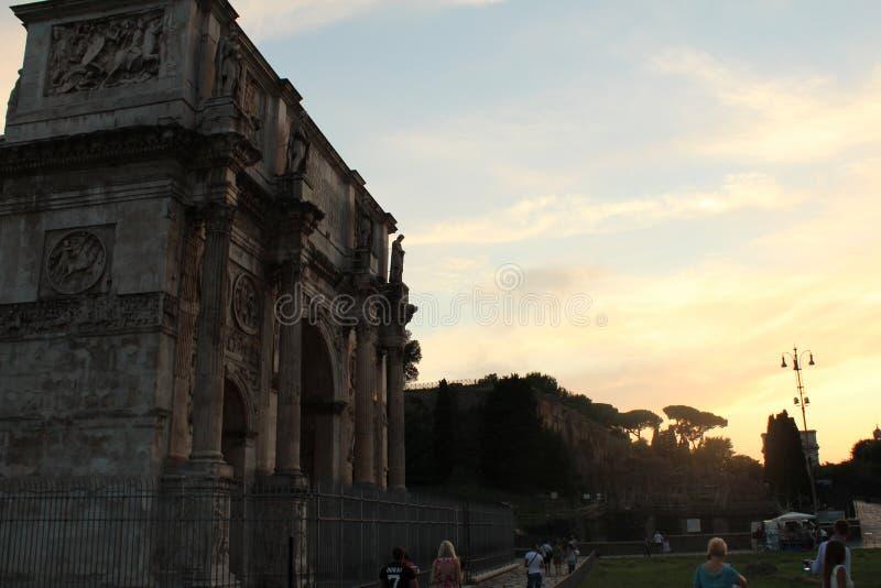 Συγκεκριμένος χρόνος ηλιοβασιλέματος χώρων λατρείας στοκ εικόνα με δικαίωμα ελεύθερης χρήσης