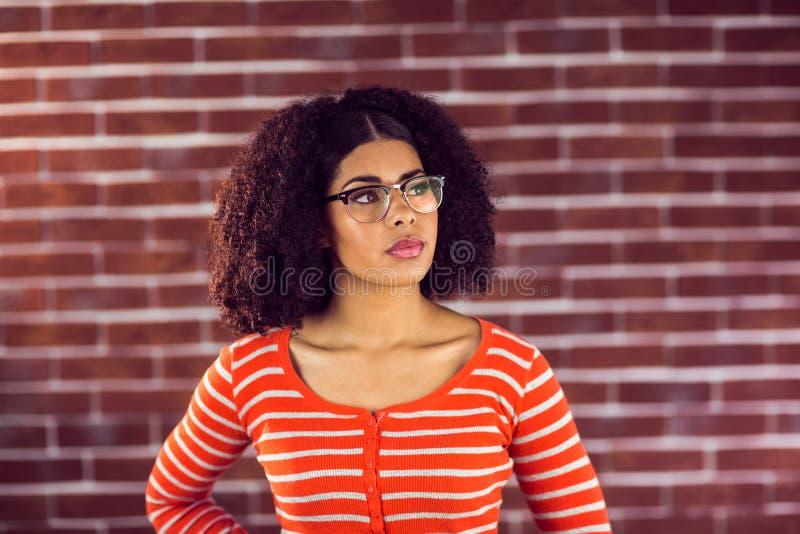 Συγκεντρωμένη ελκυστική νέα γυναίκα στοκ φωτογραφία με δικαίωμα ελεύθερης χρήσης