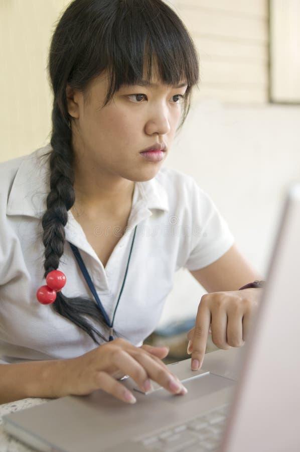 συγκεντρωμένος νεολαίες κοριτσιών στοκ εικόνα
