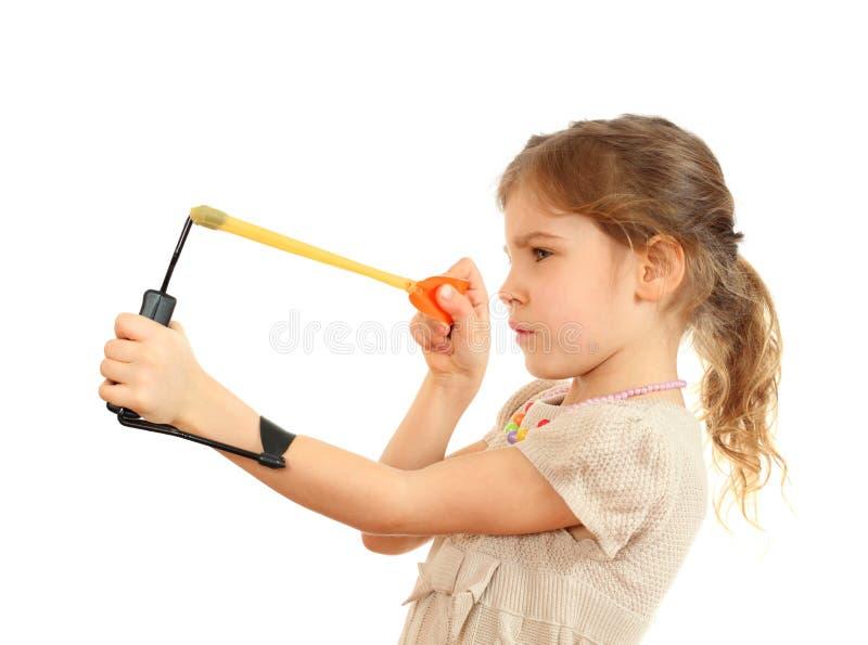 συγκεντρωμένο στόχος slingshot κοριτσιών στοκ φωτογραφία