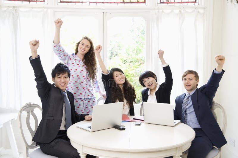Συγκινημένος businesspeople στοκ εικόνες με δικαίωμα ελεύθερης χρήσης