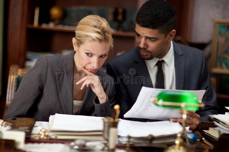 συζήτηση επιχειρηματιών &epsilo στοκ εικόνες