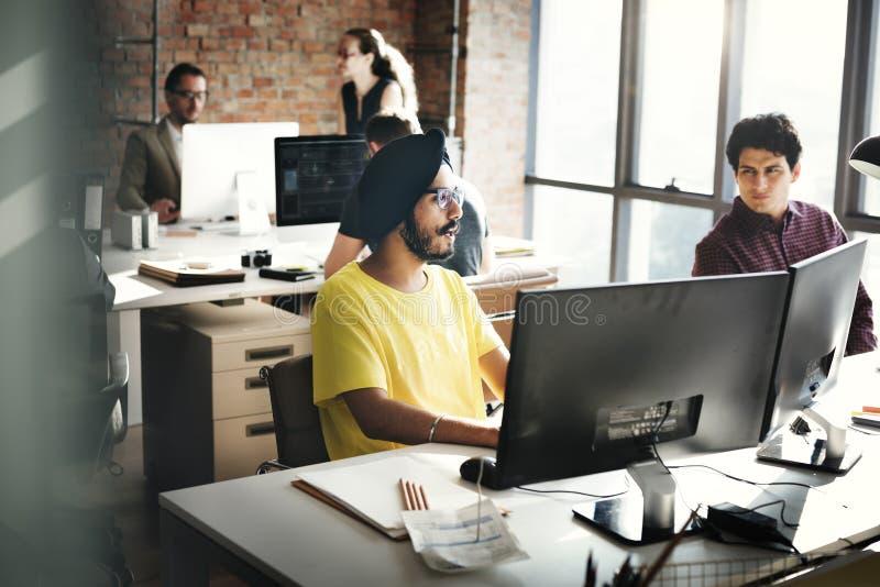 Συζήτηση επιχειρησιακής ομάδας που συναντά την εταιρική έννοια στοκ εικόνα με δικαίωμα ελεύθερης χρήσης