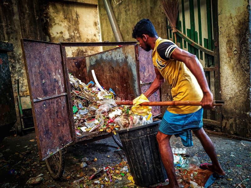 Συλλέκτης απορριμμάτων στην Ντάκα στοκ εικόνα με δικαίωμα ελεύθερης χρήσης