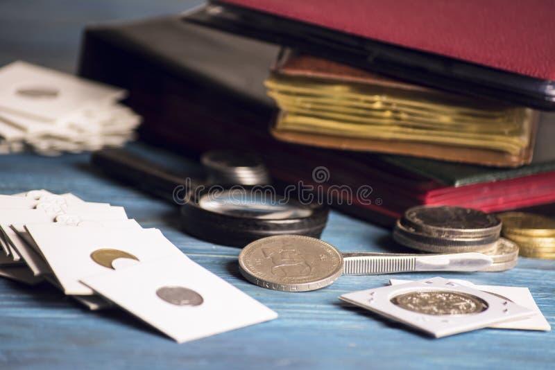 Συλλέξτε τα παλαιά πολύτιμα νομίσματα στοκ φωτογραφία με δικαίωμα ελεύθερης χρήσης