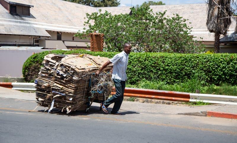 Συλλεκτική μηχανή αποβλήτων στη Μποτσουάνα στοκ φωτογραφία με δικαίωμα ελεύθερης χρήσης
