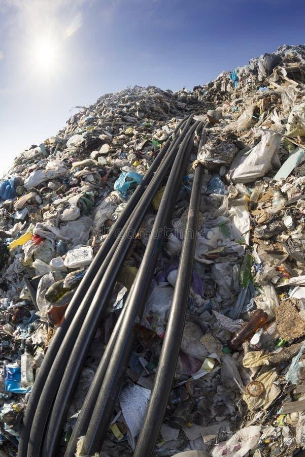 Συλλογή του μεθανίου στα απορρίμματα στοκ εικόνα με δικαίωμα ελεύθερης χρήσης