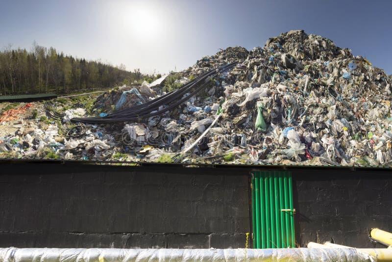 Συλλογή του μεθανίου στα απορρίμματα στοκ εικόνες με δικαίωμα ελεύθερης χρήσης