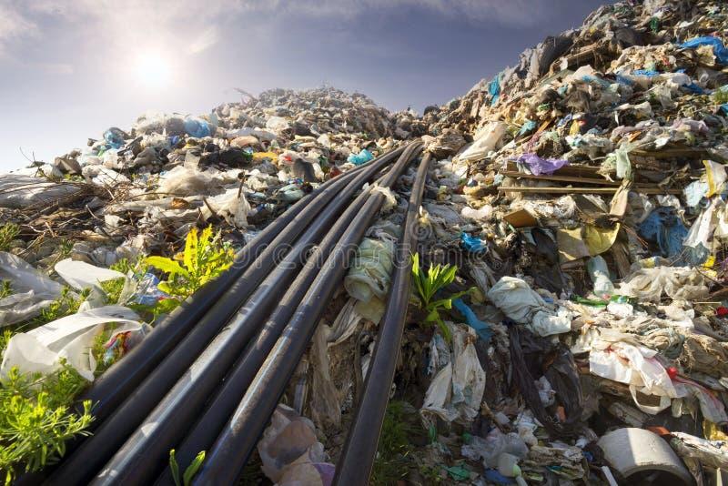 Συλλογή του μεθανίου στα απορρίμματα στοκ εικόνα