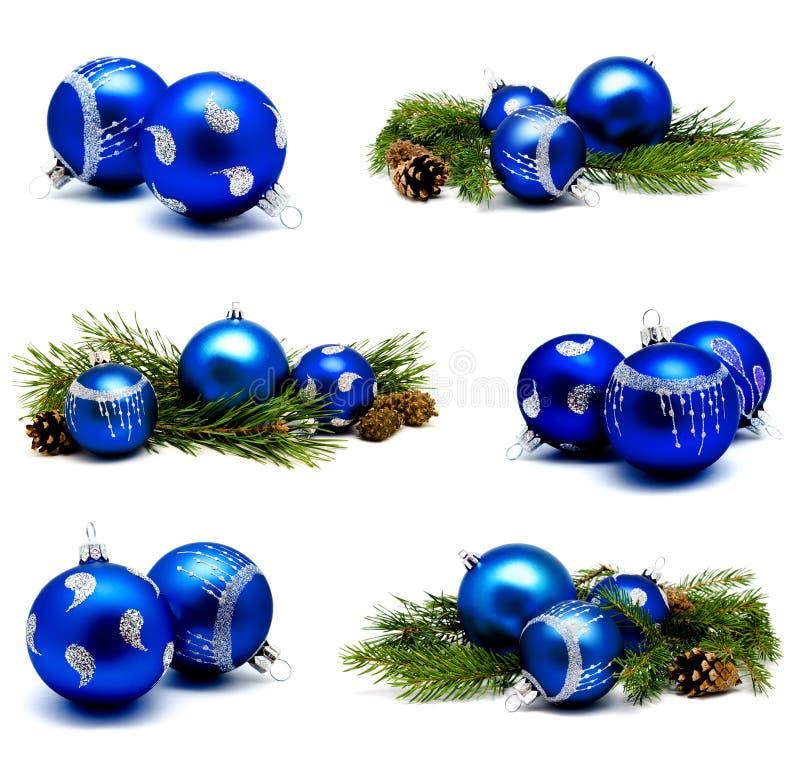Συλλογή των μπλε σφαιρών διακοσμήσεων Χριστουγέννων φωτογραφιών με το έλατο ομο απεικόνιση αποθεμάτων