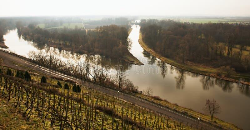 Συμβολή του ποταμού Vltava και Elbe κοντά στην πόλη Μελένικο, Τσεχία στοκ εικόνα