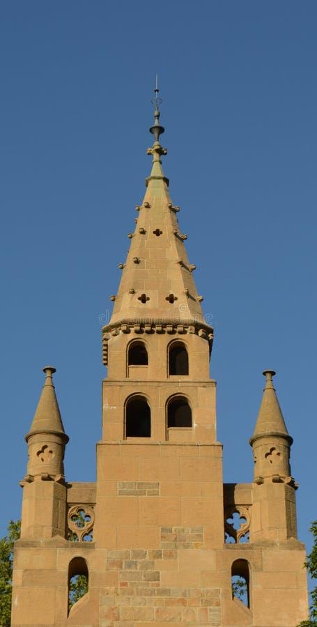 Συμμετρική άποψη καμπαναριών εκκλησιών στοκ φωτογραφίες με δικαίωμα ελεύθερης χρήσης