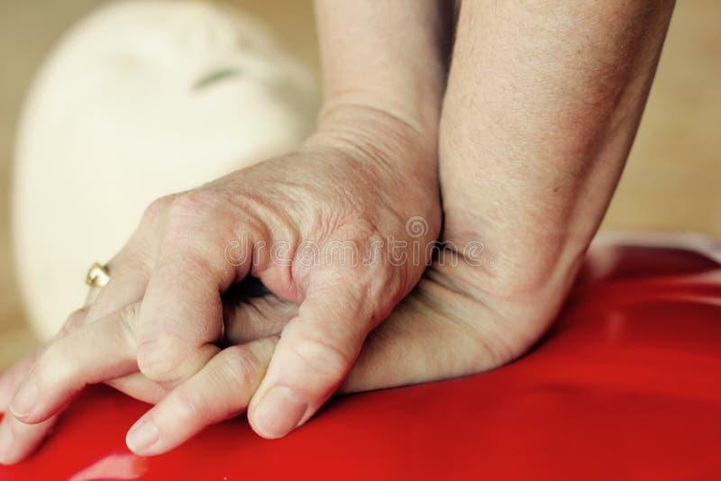 Συμπιέσεις CPR στοκ φωτογραφία με δικαίωμα ελεύθερης χρήσης
