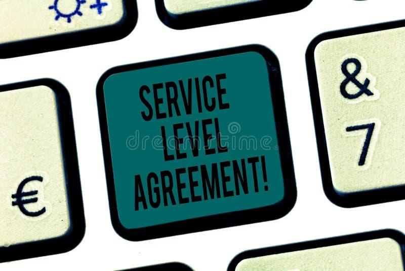 Συμφωνία επιπέδων εξυπηρέτησης κειμένων γραψίματος λέξης Επιχειρησιακή έννοια για την υποχρέωση μεταξύ ενός φορέα παροχής υπηρεσι στοκ εικόνα με δικαίωμα ελεύθερης χρήσης