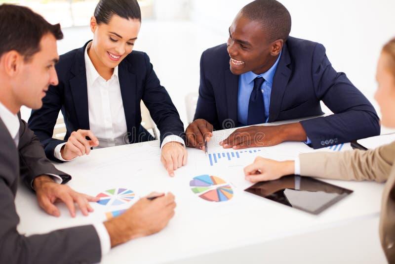 Συνάντηση επιχειρηματιών στοκ φωτογραφία με δικαίωμα ελεύθερης χρήσης