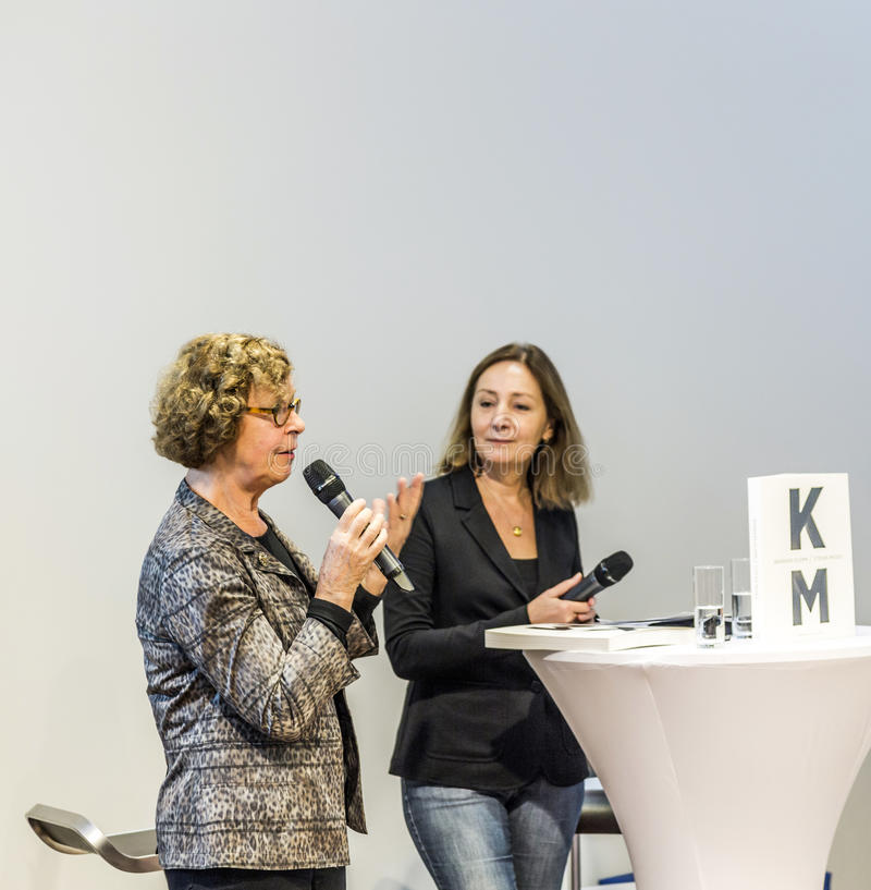 Συνέντευξη με τη Barbara Klemm στην έκθεση 2014 βιβλίων της Φρανκφούρτης στοκ εικόνες με δικαίωμα ελεύθερης χρήσης