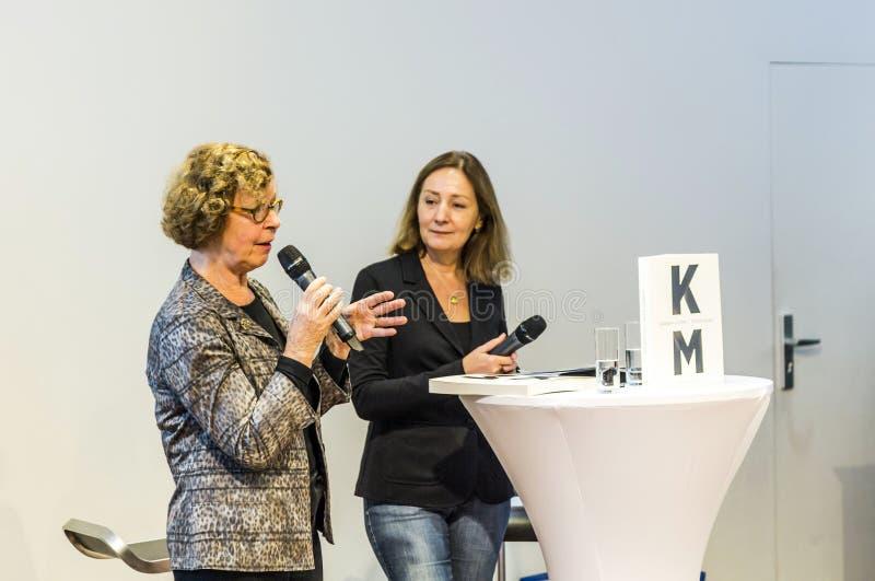 Συνέντευξη με τη Barbara Klemm στην έκθεση 2014 βιβλίων της Φρανκφούρτης στοκ φωτογραφία με δικαίωμα ελεύθερης χρήσης