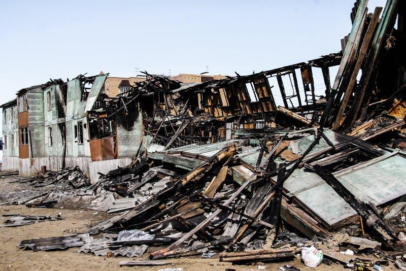Συνέπεια μιας πυρκαγιάς στο σπίτι στοκ εικόνες
