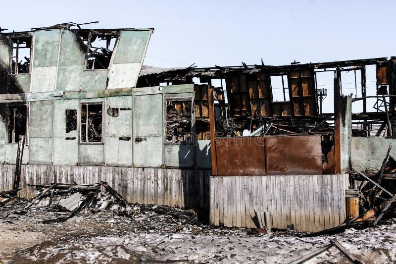 Συνέπεια μιας πυρκαγιάς στο σπίτι στοκ εικόνες με δικαίωμα ελεύθερης χρήσης