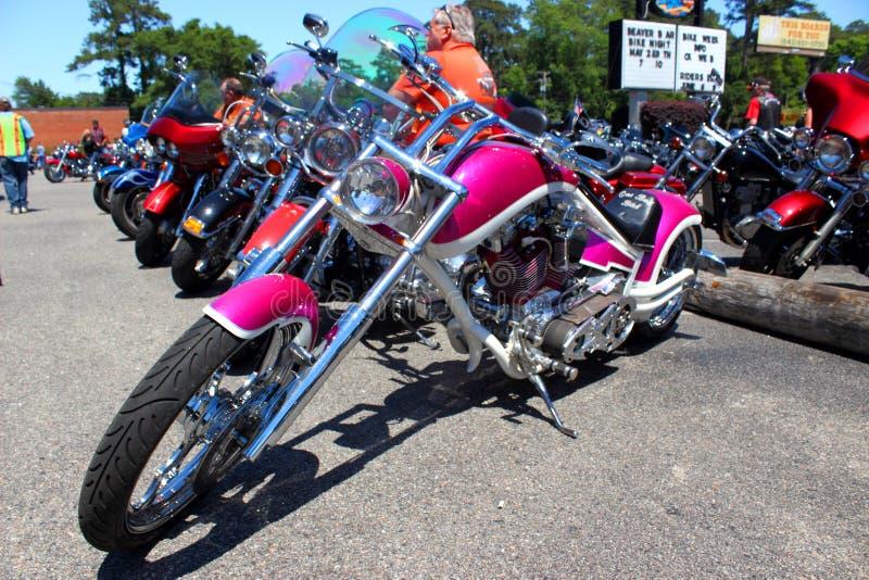 Συνήθεια ο ρόδινος Harley Davidson στοκ εικόνες