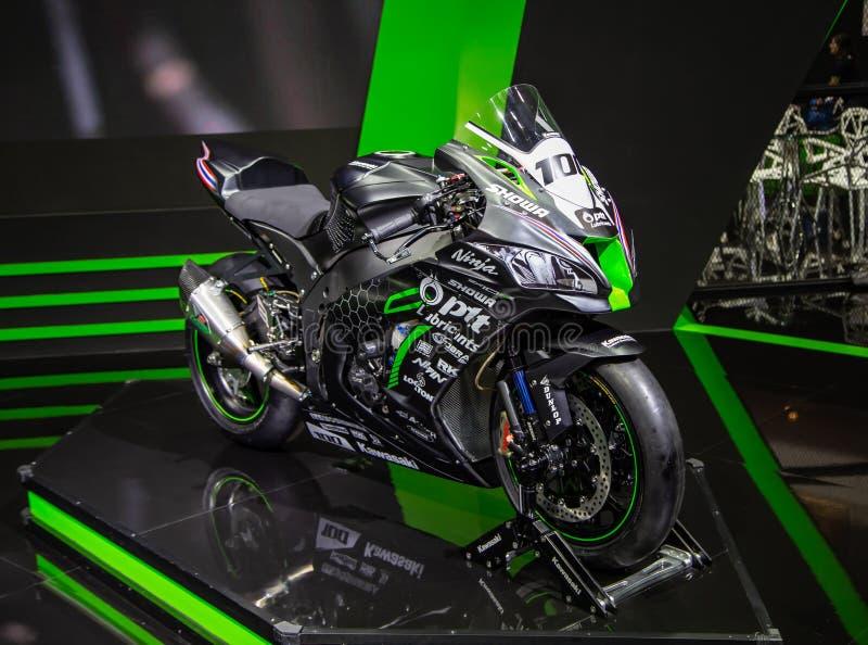 Συναγωνιμένος ομάδα του PTT Ninja ZX10RR Kawasaki στοκ φωτογραφίες