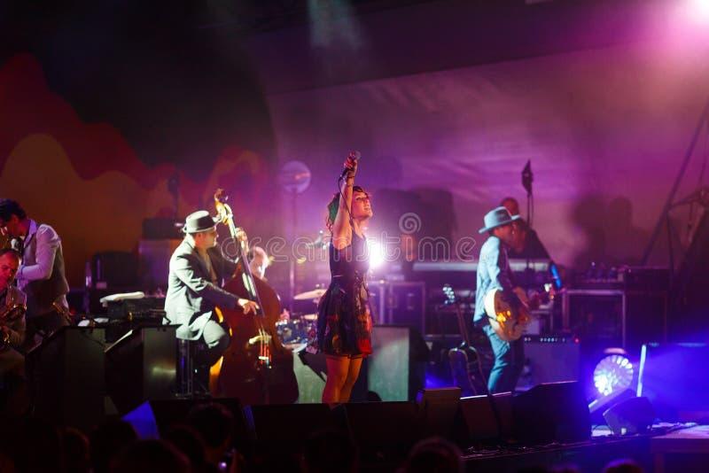 Συναυλία του γαλλικού τραγουδιστή Zaz στο φεστιβάλ τζαζ στοκ εικόνες
