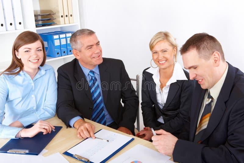 συνεδρίαση των επιχειρη&m στοκ φωτογραφία με δικαίωμα ελεύθερης χρήσης