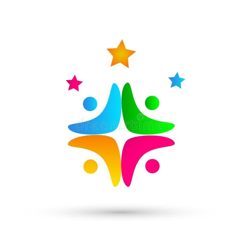 Συνεργασία εργασίας ομάδων ένωσης ανθρώπων, εκπαίδευση, σύμβολο εικονιδίων λογότυπων ανθρώπων επιτυχίας εορτασμού στο άσπρο υπόβα διανυσματική απεικόνιση
