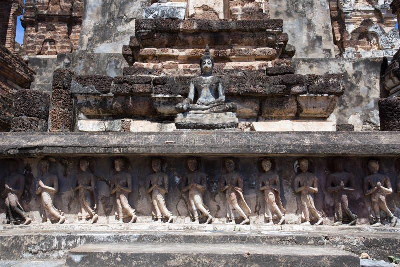 Συνεδρίαση Βούδας στη βάση Wat Mahathat στοκ φωτογραφίες με δικαίωμα ελεύθερης χρήσης