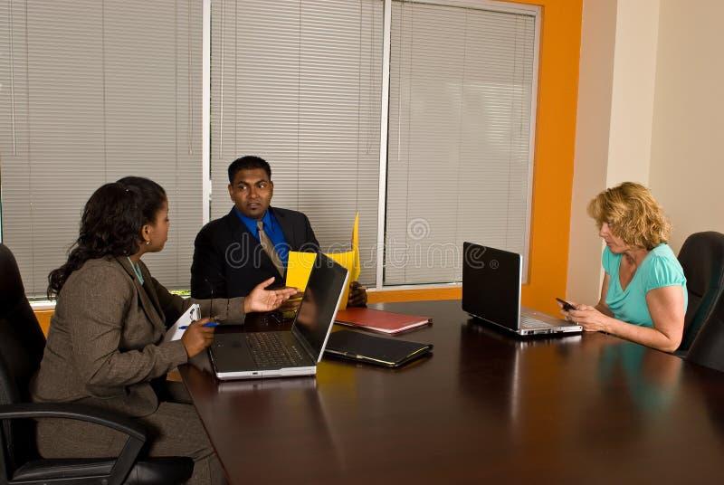 Συνεδρίαση της επιχειρησιακής ομάδας στοκ εικόνα