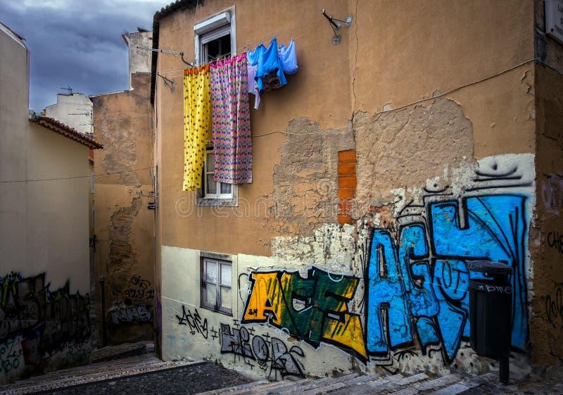 Συνηθισμένες ιστορίες της παλαιάς Λισσαβώνας Πορτογαλία στοκ εικόνα