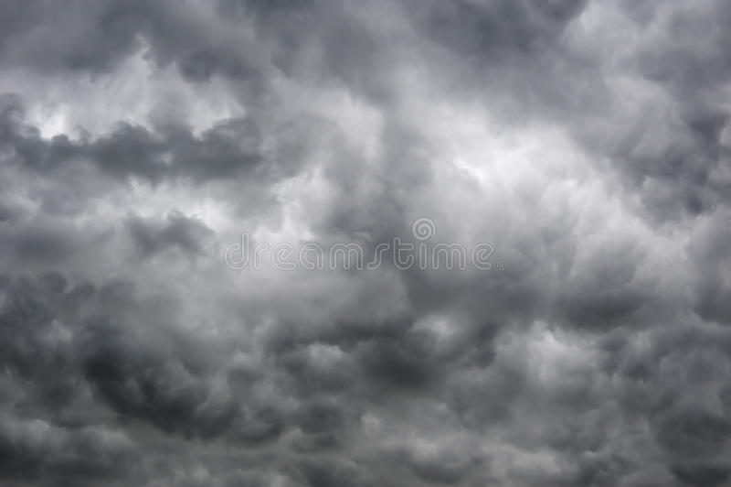 Συννεφιάζω ουρανοί στοκ εικόνες