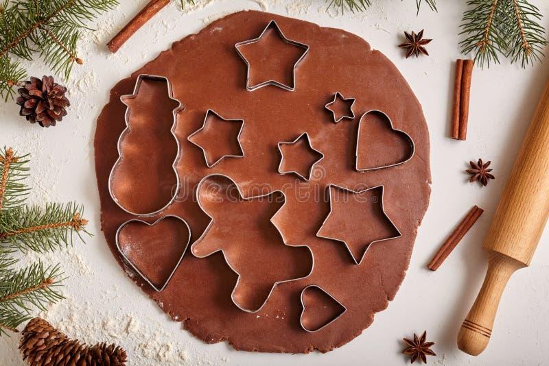 Συνταγή προετοιμασιών ζύμης μπισκότων μελοψωμάτων με στοκ φωτογραφία με δικαίωμα ελεύθερης χρήσης